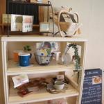 カフェ・フィーノ - 雑貨たち、飾られてるのか、販売されてるのか、よく見ませんでした・・・