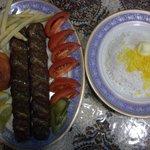 ビビ サキネ - クビデ(ラムレッグのひき肉の炭焼きとサファランライス)