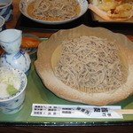Echigoya - 「生蕎麦せいろ・大盛り¥1,520です」
