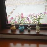 ティーカフェ - 窓際3景-2