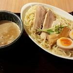 41176343 - 「鶏白湯魚介つけ麺+特盛り400g+半玉増し」900円