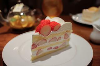 ハーブス 栄本店 - 長野産 夏いちごのケーキ☆