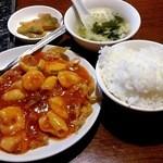宏福楼 - 海鮮チリソースランチ@600円です(この他に杏仁豆腐が付きます)