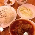 味楽来 - 鶏肉エスニックカレー定食