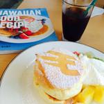41183113 - パンケーキの本とパンケーキとアイスコーヒー★