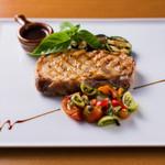 ビストロ菜フェスタ - 上富良野地養豚のドライエージングポークのグリル