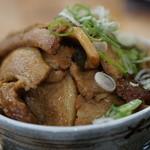 養老町 竹半 - 料理写真:養老BUTA丼特盛+小きしめん980円