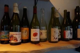 喃喃 - 自然の恵み!酸化防止剤0、無濾過のナチュラルワイン