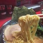 Yokohamaiekeiramentokorozawayamatoya - 麺アップ