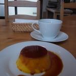 トモッティーナ - かぼちゃプリン(300円)とランチのコーヒー