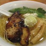 りょう花 - 鶏塩ラーメン650円外税