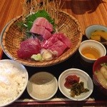 bodai - 新鮮生まぐろ刺身定食(1,500円)