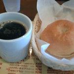 coffee shop KAKO - ブレンドとSWEETベーグル