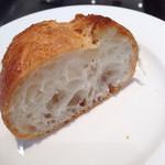 千疋屋レストラン BIWAWA - ランチのパン