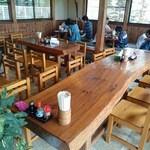 上野製麺所 - 店内の様子