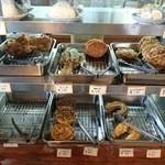 上野製麺所 - 天ぷらコーナー