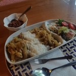 ゆるりcafe - 8月のランチの「スリランカカレー (850円)」