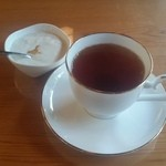 ゆるりcafe - 食後のデザートと、スリランカ紅茶です