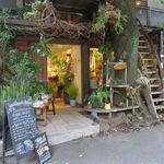 レ・グラン・ザルブル - 都会らしからぬ大樹とツリー・ハウスを併せ持つ素敵なカフェ♪6