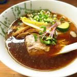 ロ麺ズ - しょうゆ 730円