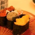 廻転寿司 まぐろ問屋 めぐみ水産 - 軍艦3種