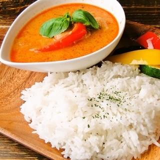 本場タイの調味料×日本人向けにアレンジしたタイ料理