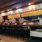 麺屋秀吉 - 座敷からカウンター方面