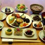 にんじん食堂 うずまさ - 料理写真:「こがね御膳」(写真はイメージです。日によって異なります)