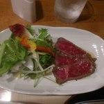 おりおり - ローストビーフに生野菜、オリーブオイルメインのドレッシング