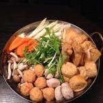 東京十色 恵比寿店 - 鍋。冷たい飲み物ばかり飲んでると、夏でもたまに食べたくなる。