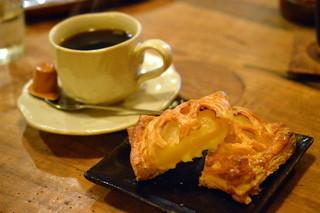 自家焙煎 タオ珈琲 - アップルパイとホットコーヒー♡