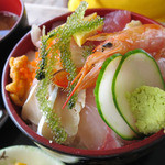 41236279 - 海鮮ティーダ丼(850円)