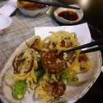 41236345 - 乳茸の天ぷら まるでお肉の様な濃い香りと味の茸です。ビックリする美味しさ!