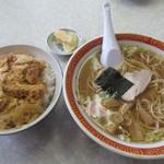養ちゃん食堂 - 料理写真:かつ丼半ラーメン