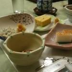 堂ヶ島温泉ホテル - 朝食はシンプルなセット食。