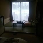 堂ヶ島温泉ホテル - 部屋は海に面した和洋室。