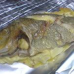 さしみ亭 - バター焼きの魚 タマン (ハマフエフキダイ)