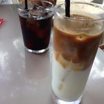 41250970 - カフェラテとセットのアイスコーヒー