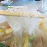 紅蘭亭 下通本店 - 麺は春雨。                             緑豆100%のプリプリ&サクサクの麺です。カロリーも低め?