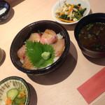 41252960 - サワラの漬け丼(ごはん少なめオーダー) ¥1100