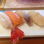 よし - 楓 3240円(牡丹海老・トキシラズ・北寄貝・帆立)