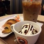 サンマルクカフェ - スイーツセット¥540 夏限定のオレンジチョコクロおいしい(o^^o)