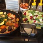 noki - 焼き野菜とサラダはセルフで