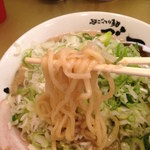 41256496 - しょうゆ味玉子ラーメンの中太麺