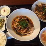 中華香彩JASMINE - よだれ鶏 ミニ麻婆豆腐付き 1350円