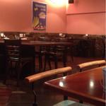 ペペチーノ - 広くて落ち着いた店内。ひとりでも気兼ねなく入れましたv