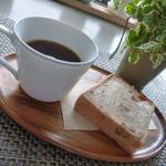 日々ノ珈琲 - 朝食にホットで、パンは「よつか堂」です(^^