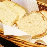 41263662 - 自家製フォカッチャと全粒粉のパン