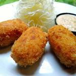キッチン イトウ スタイル - 自家農園のじゃが芋と真鱈スモークのコロッケ