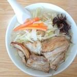 塩山館食堂 - 2015年7月 特製湯麵 907円